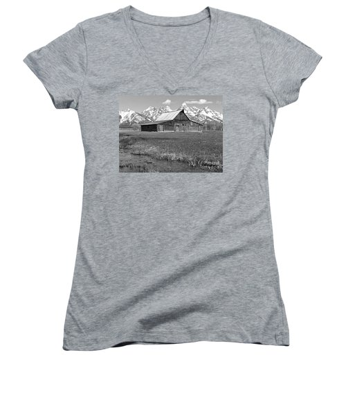 Streaming By The Moulton Barn Black And White Women's V-Neck T-Shirt (Junior Cut) by Adam Jewell