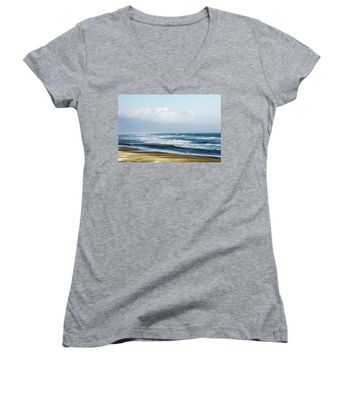 Summer Waves Netarts Oregon Women's V-Neck T-Shirt