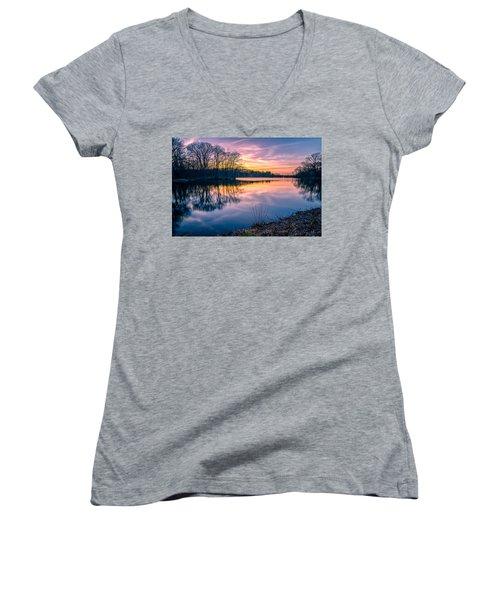 Sunset-dorothy Pond Women's V-Neck T-Shirt (Junior Cut) by Craig Szymanski