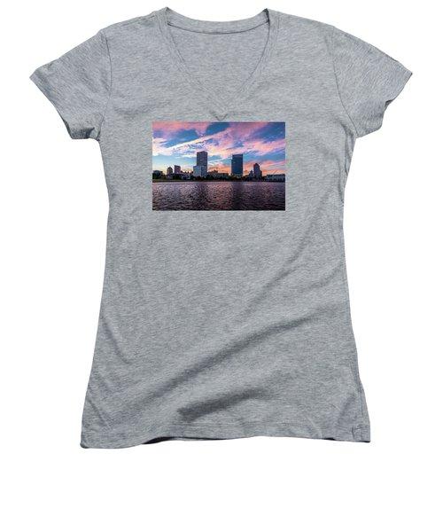 Women's V-Neck T-Shirt featuring the photograph Sunset In The City by Randy Scherkenbach