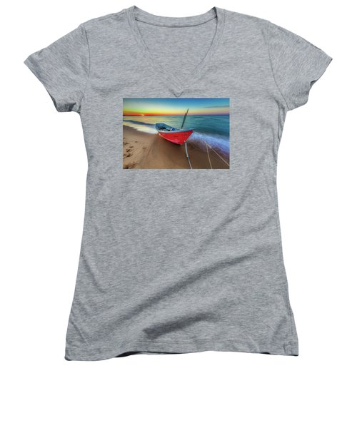 Sunset Skiff Women's V-Neck