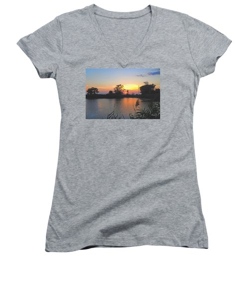 Sunset West Of Myer's Bagels Women's V-Neck T-Shirt