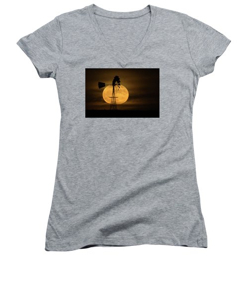 Supermoon Rise 4  11-14-2016 Women's V-Neck T-Shirt