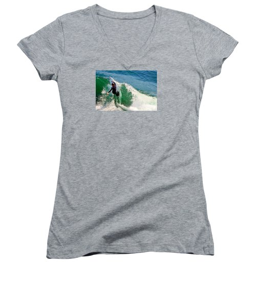 Surfer, Steamer Lane, Series 18 Women's V-Neck (Athletic Fit)