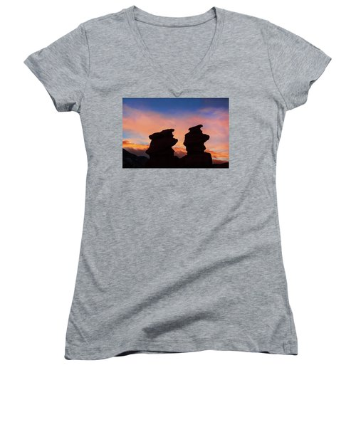 Surrender To The Infinite, Unbounded, Pure Consciousness  Women's V-Neck T-Shirt (Junior Cut)