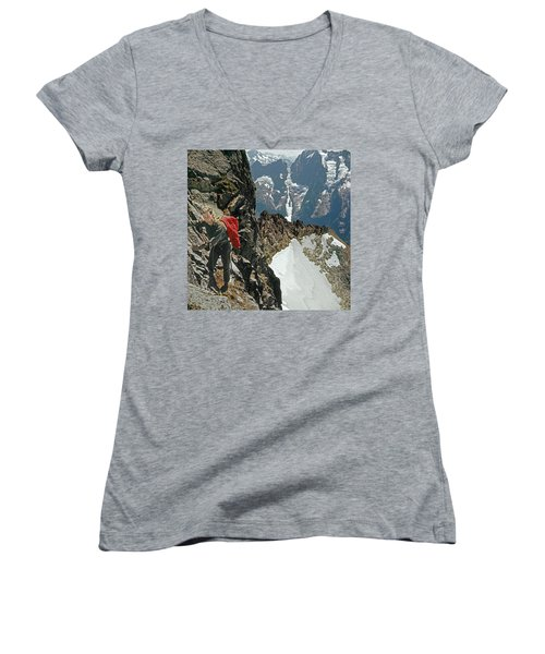 T-04403 Walt Buck Sellers On First Ascent Of Mt. Torment Women's V-Neck