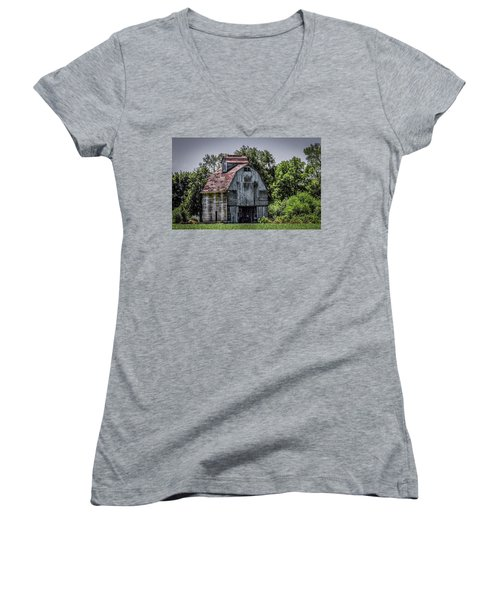 Women's V-Neck T-Shirt (Junior Cut) featuring the photograph Tall Barn by Ray Congrove