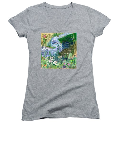 Teen Drawing -- Hummingbird Collecting Silk Women's V-Neck T-Shirt