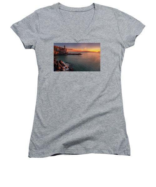 Tellaro Women's V-Neck T-Shirt