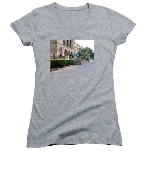 The Art Institute Of Chicago - 3 Women's V-Neck T-Shirt (Junior Cut) by Ely Arsha