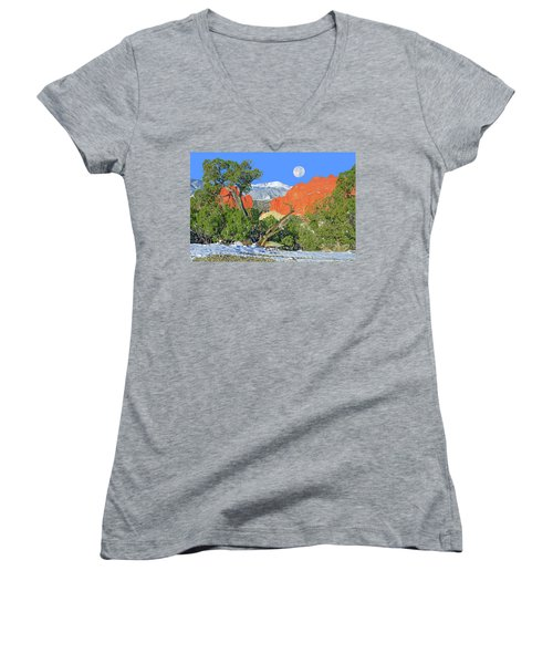 The Beauty That Takes Your Breath Away And Leaves You Speechless. That's Colorado.  Women's V-Neck T-Shirt (Junior Cut) by Bijan Pirnia