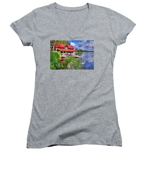 Women's V-Neck T-Shirt featuring the photograph The Boathouse At Covewood by David Patterson