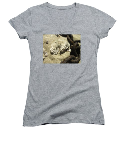The Chain And The Fossil Women's V-Neck T-Shirt
