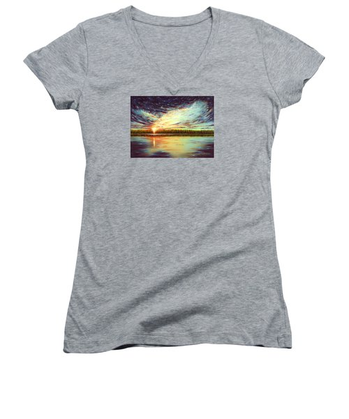 The Glory Of God Women's V-Neck T-Shirt