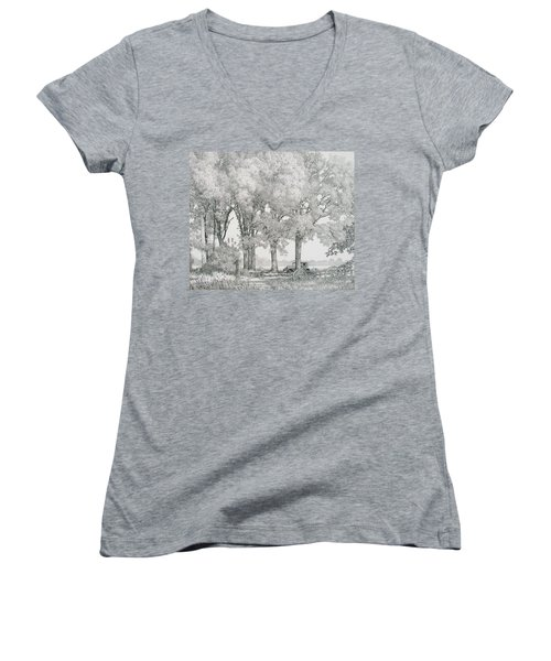 The Land Women's V-Neck (Athletic Fit)