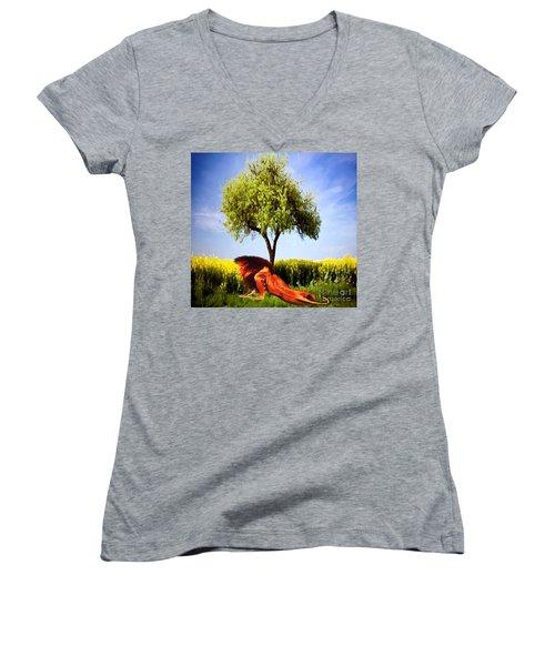 The Lion, The King Women's V-Neck T-Shirt (Junior Cut) by Belinda Threeths