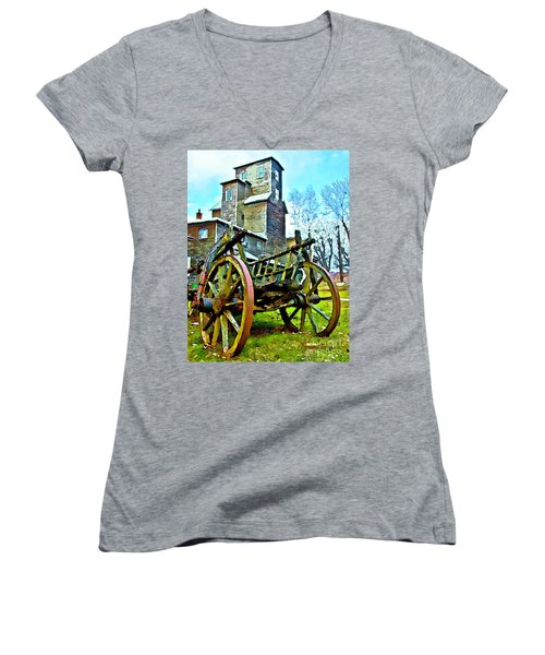The Pottery - Bennington, Vt Women's V-Neck T-Shirt (Junior Cut) by Tom Cameron