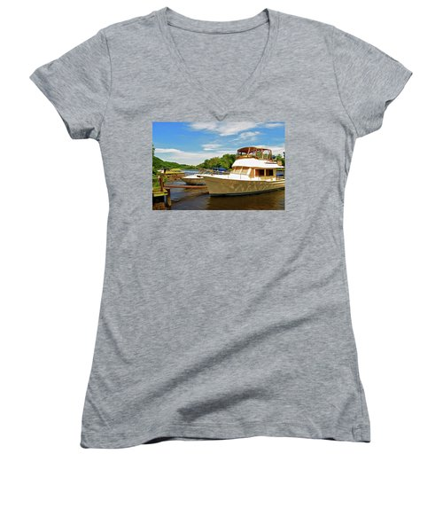 The Rondout At Eddyville Women's V-Neck