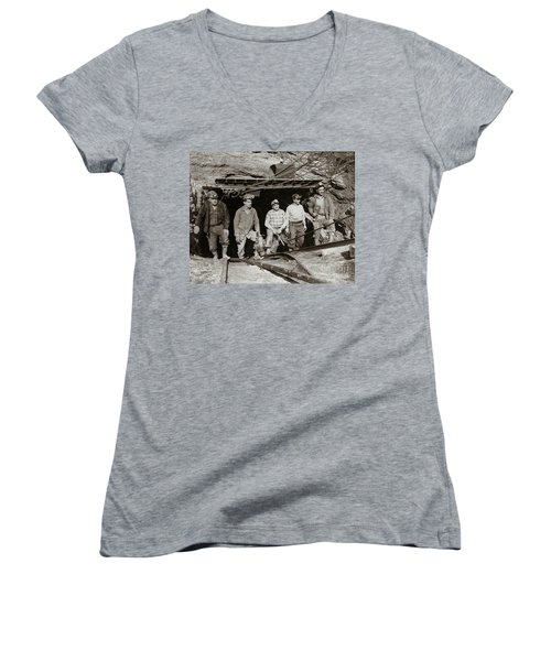 The Search And Retrieval Team After The Knox Mine Disaster Port Griffith Pa 1959 At Mine Entrance Women's V-Neck T-Shirt