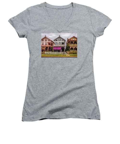 The Victorian Style  Women's V-Neck