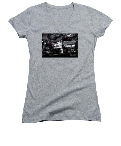 the WOW factor Women's V-Neck T-Shirt