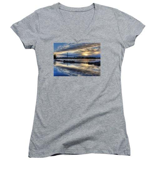Thousand Islands Bridge Women's V-Neck T-Shirt