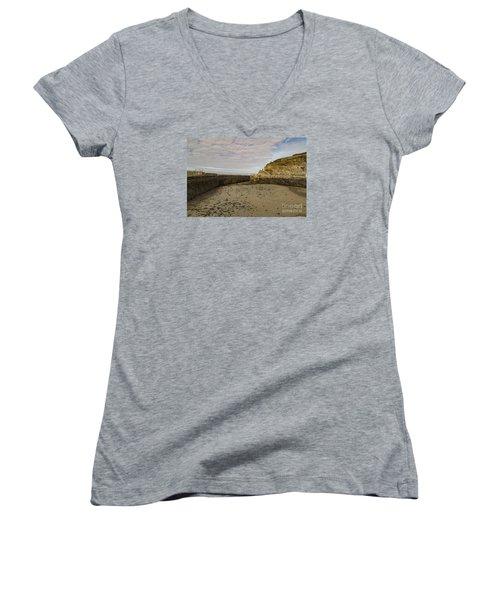 Tide Out Portreath Women's V-Neck T-Shirt (Junior Cut) by Brian Roscorla
