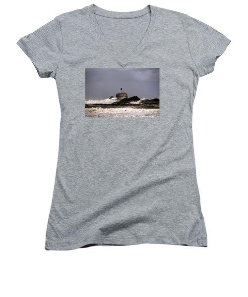 Tillamook Lighthouse Women's V-Neck T-Shirt