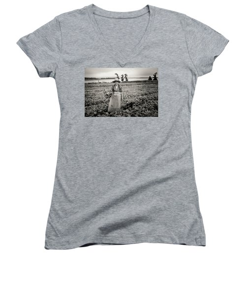 Tobacco Farm Women's V-Neck