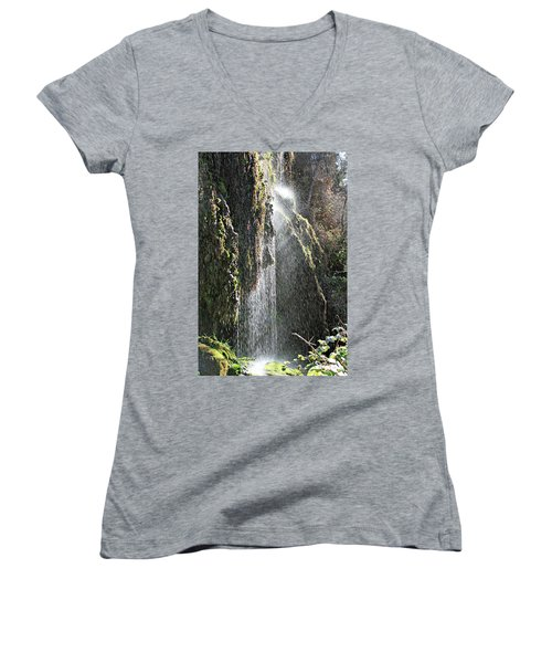 Tonto Waterfall Splash Women's V-Neck