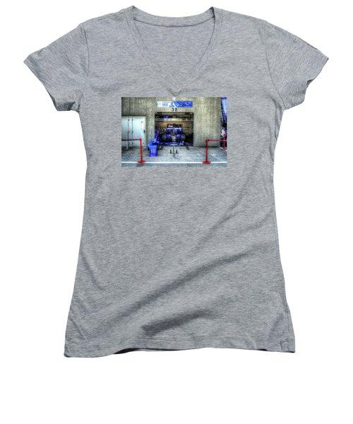 Tony Kanaan Indy Women's V-Neck T-Shirt
