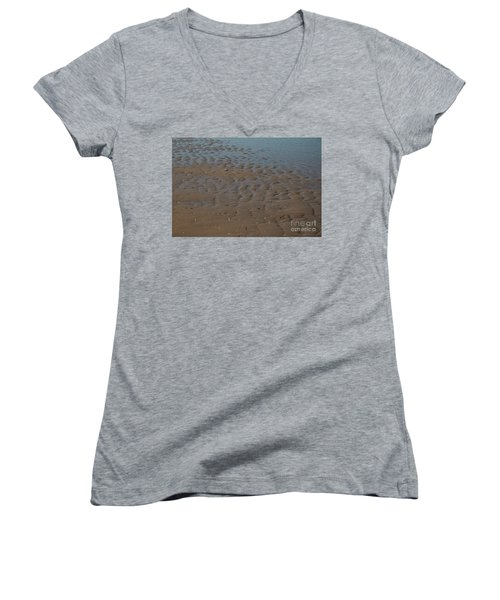 Traces Women's V-Neck