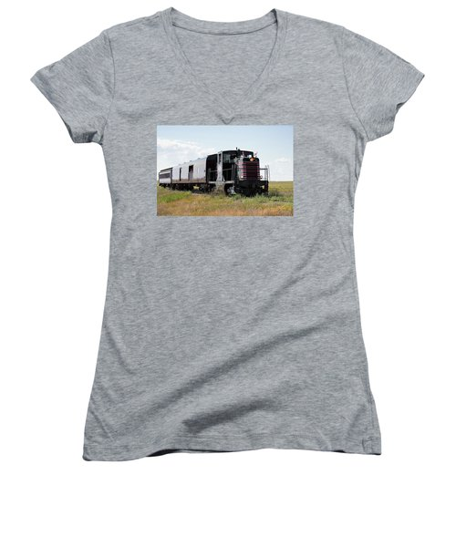 Train Tour Women's V-Neck (Athletic Fit)