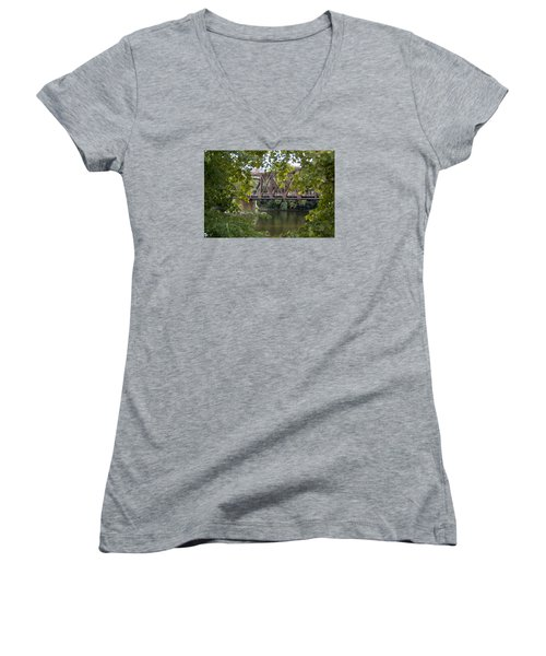 Train Trestle Women's V-Neck T-Shirt