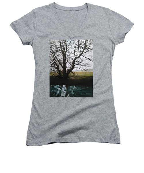 Trent Side Tree. Women's V-Neck
