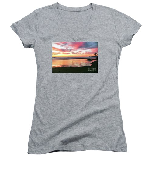 Tropical Sunset Island Bliss Seascape C8 Women's V-Neck