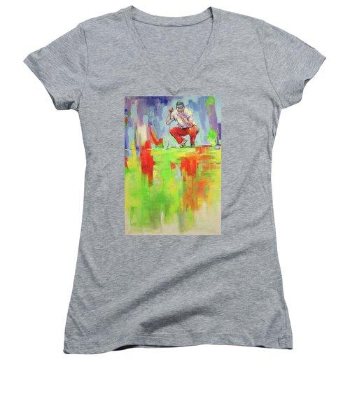 Ueberpruefe Die Luege Des Gruens   Checking The Lie Of The Green Women's V-Neck T-Shirt (Junior Cut) by Koro Arandia