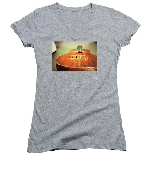 Uke Women's V-Neck T-Shirt