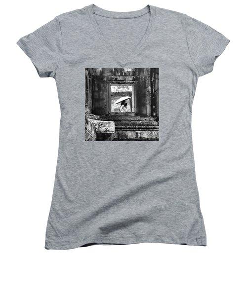 Umbrella Angkor Wat  Women's V-Neck T-Shirt