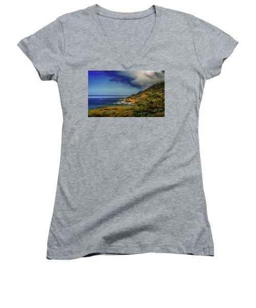 Up Coast Women's V-Neck T-Shirt