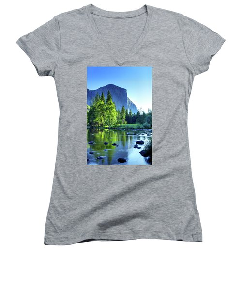 Valley View Morning Women's V-Neck T-Shirt