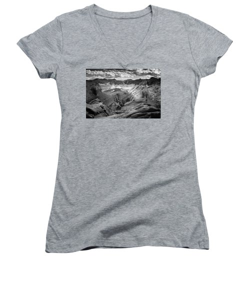Valley Of Fire Expanse Women's V-Neck T-Shirt