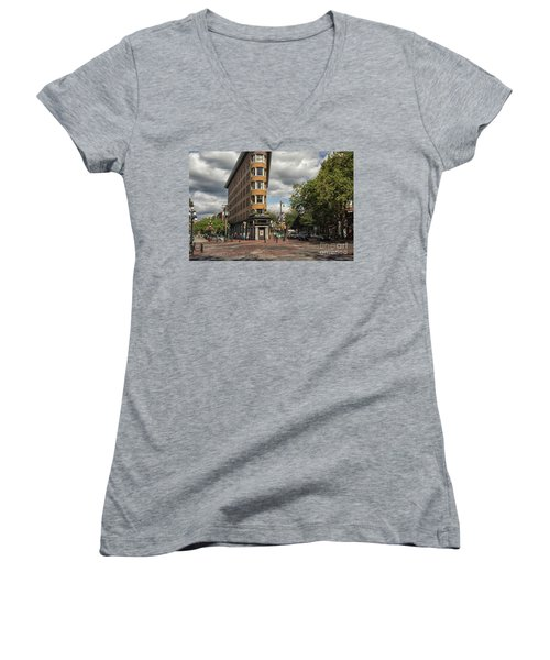 Vancouver City Life Women's V-Neck T-Shirt