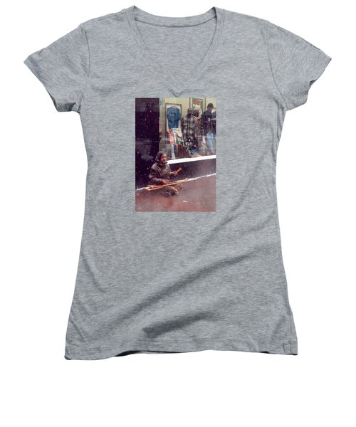 Vet Selling Pencils Women's V-Neck