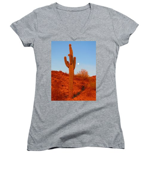 Victor's Harvest Moonset Women's V-Neck T-Shirt