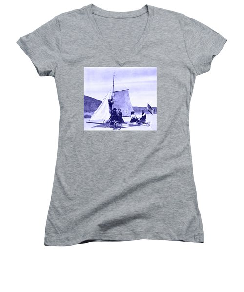 Vintage Ladies And Gentlemen Sail On The Desert Queen Women's V-Neck (Athletic Fit)
