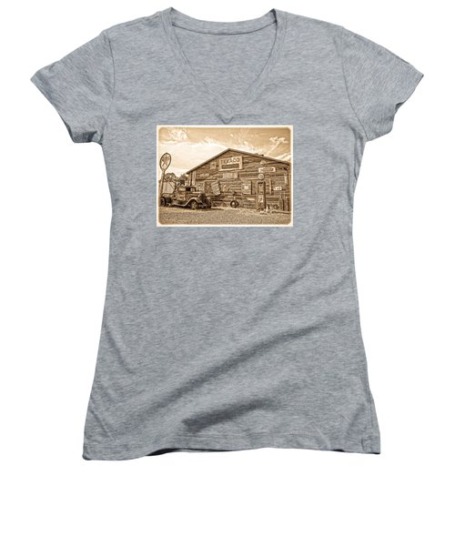 Vintage Service Station Women's V-Neck T-Shirt