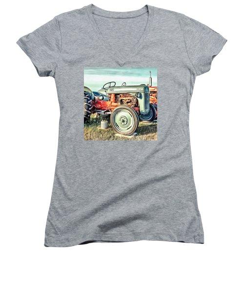 Vintage Tractors Pei Square Women's V-Neck