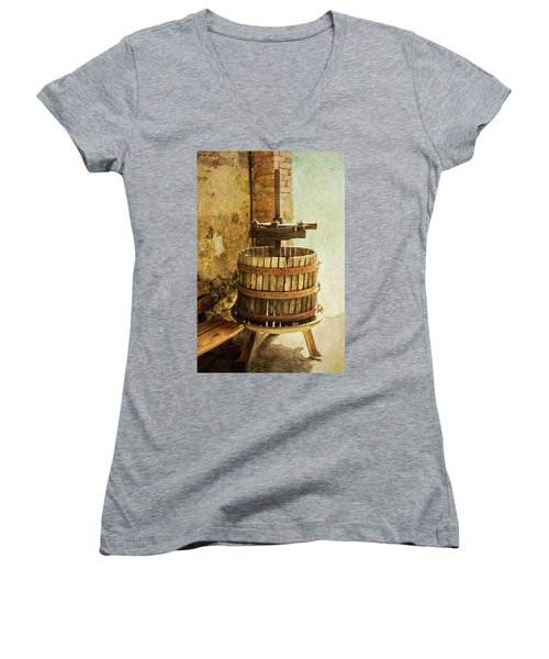 Vintage Wine Press Women's V-Neck