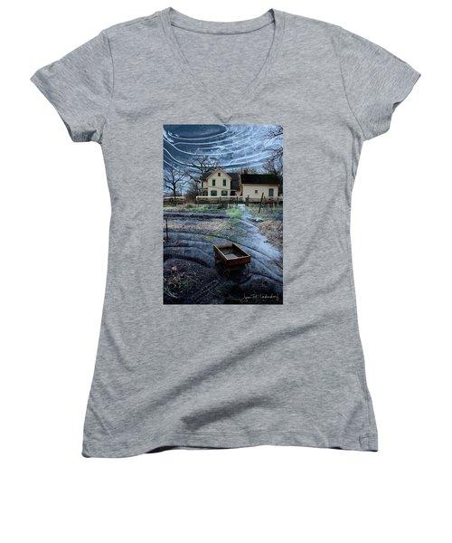 Wagon Women's V-Neck T-Shirt (Junior Cut)